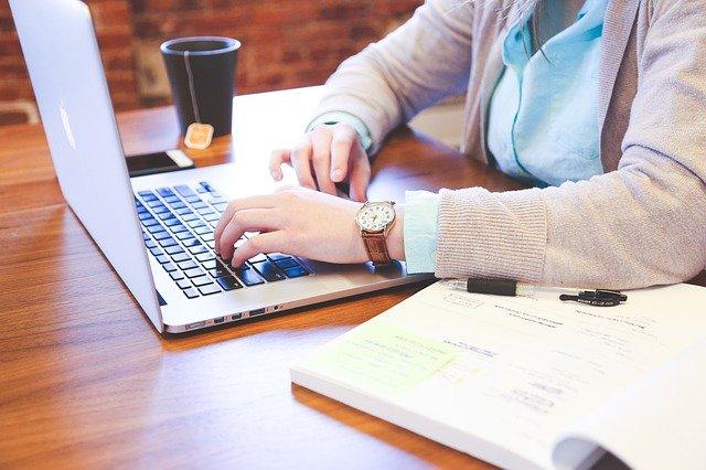 Dlaczego warto prowadzić blog na stronie internetowej firmy?